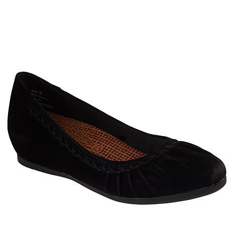 Baretraps® Norma Posture Plus Slip-On Flat