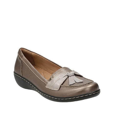 bc005a84fe01 clarks-ashland-bubble-leather -slip-on-loafer-d-20180710104049683~629674 alt19.jpg