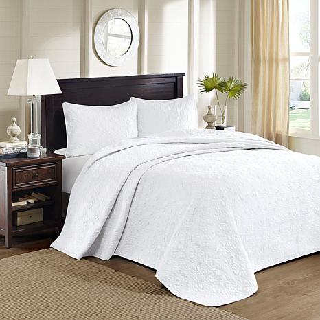 Madison Park Quebec White Quilted Bedspread Set - White