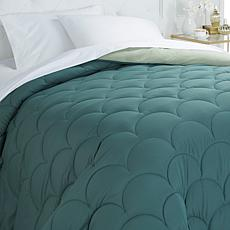 Concierge Reversible Scalloped Design Comforter - F/Q