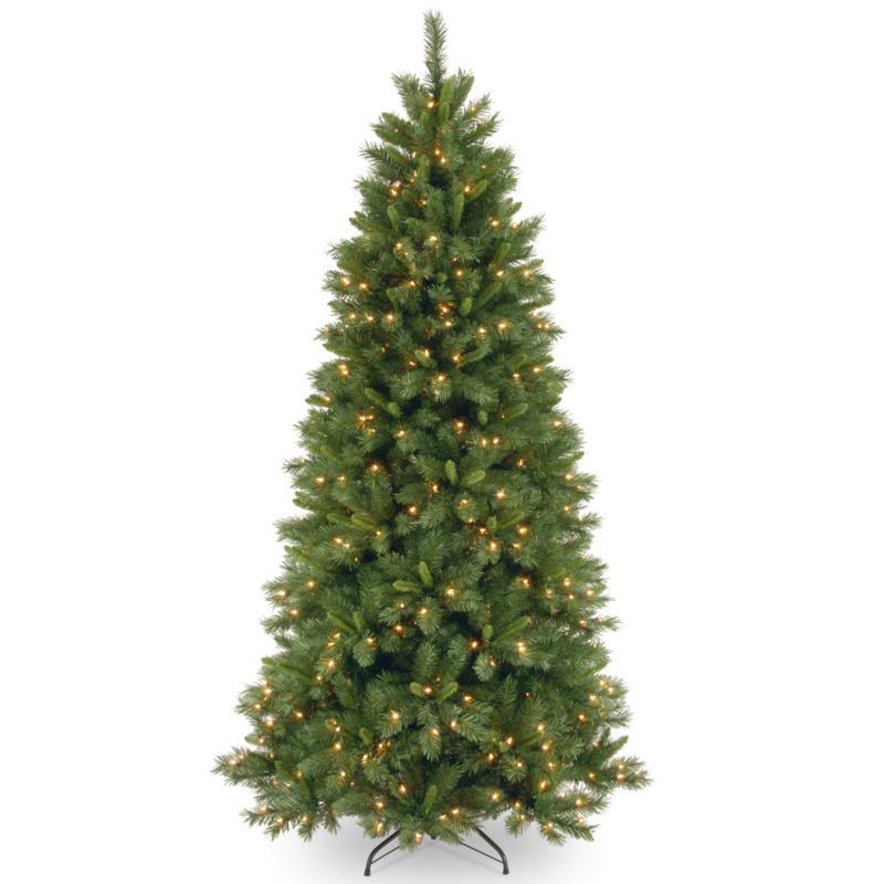 7-1/2' Lehigh Valley Pine Tree w/Lights