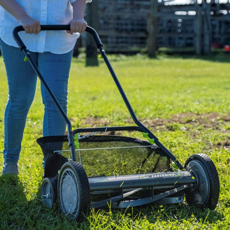 "EARTHWISE 18"" Reel Mower with Trailing Wheels"